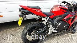 Honda CBR1000RR 06-07 Fireblade Stainless Oval twin-outlet Road-Legal Exhaust
